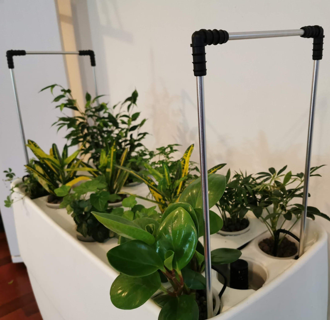 Stands for long grow lights on Suprabase unit